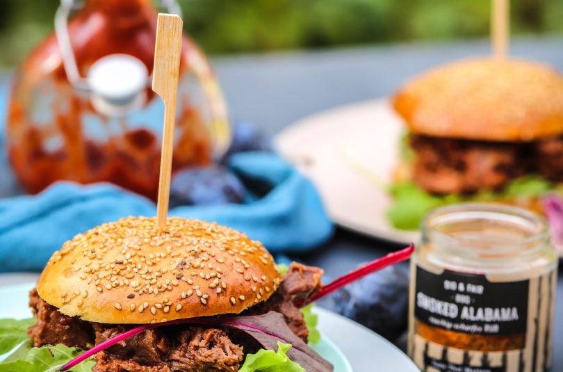 Pulled Beef Burger mit Zwetschgen